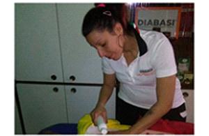 CLAUDIA AMENDOLA - MASSAGGIO SPORTIVO<br>THE STYLE OF WELLNESS (tm)<br>TRATTAMENTI&nbsp; ANTICELLULITE<br>massaggi californiani<br>ISTRUTTORE GINNASTICA POSTURALE<br>