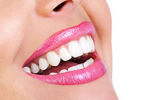 TO SMILE<div>clinica multi-specialistica del sorriso</div>